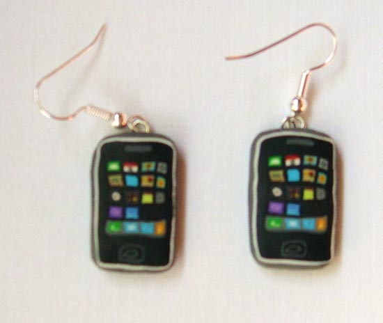 3g-iphone-earrings_2