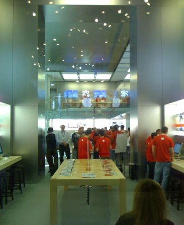 apple-store-louvre-1_m