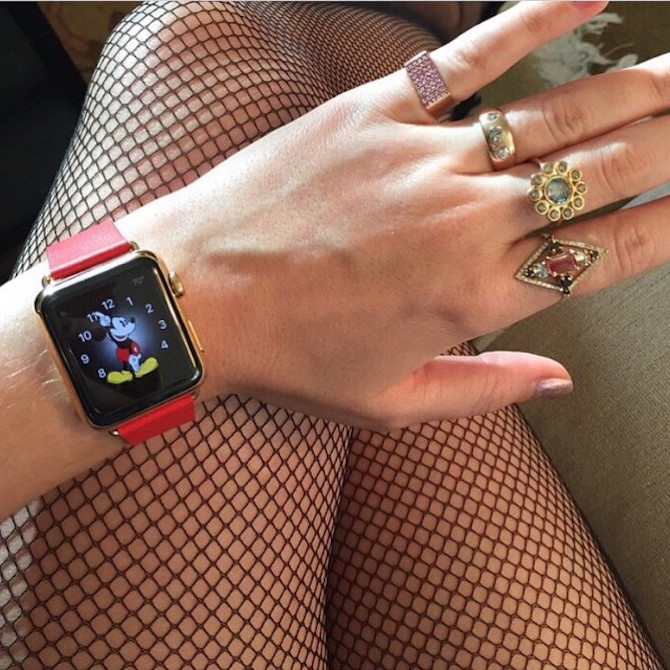 katty_perry_apple _watch