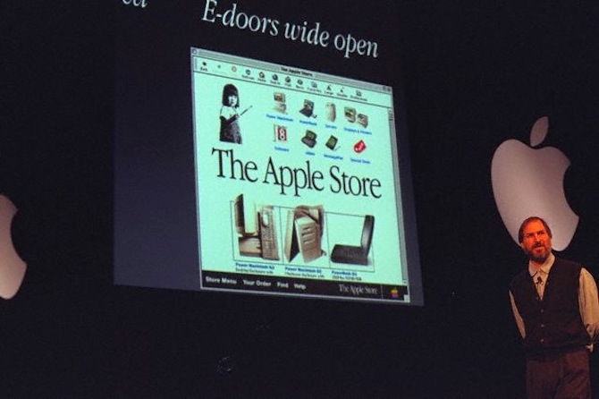 Steve Jobs introduces Apple Online Store