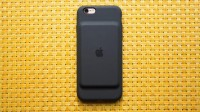 apple-smart-battery-case-for-iphone-6-and-6s-02_670x376