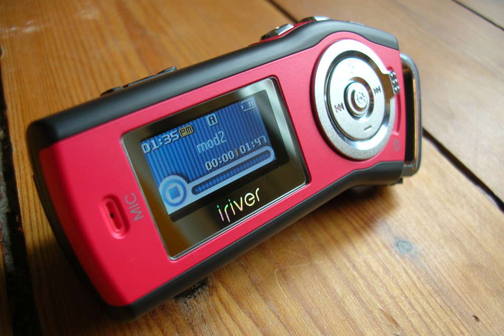 Iriver_t10_red