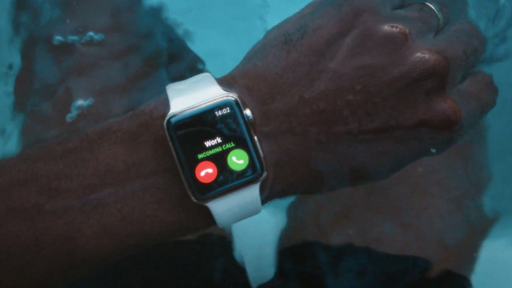 apple-watch-go-swim-thumb