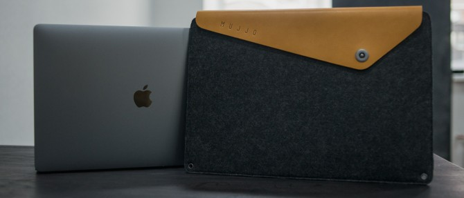 Mujjo leather sleeve for MacBook Pro 15""