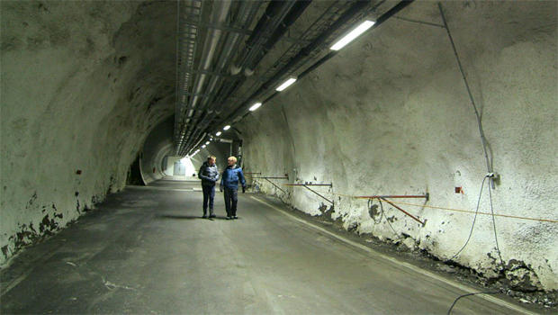 svalbard-global-seed-vault-tunnel-620